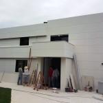 BR&C arquitectos Fachada delantera vivienda en construcción